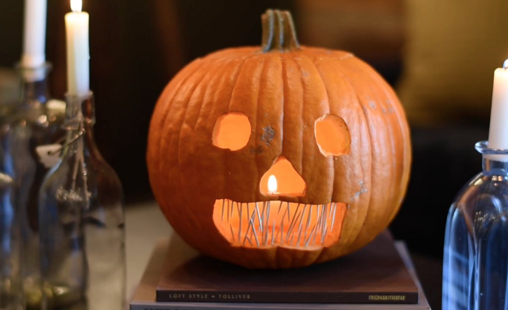 diy-how-to-carve-halloween-pumpkins-robeson-design-e1413492574860