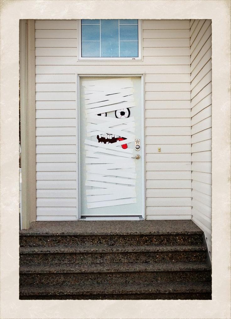 Halloween decoramos la puerta en un pa s muy lejano for Imagenes puertas decoradas halloween