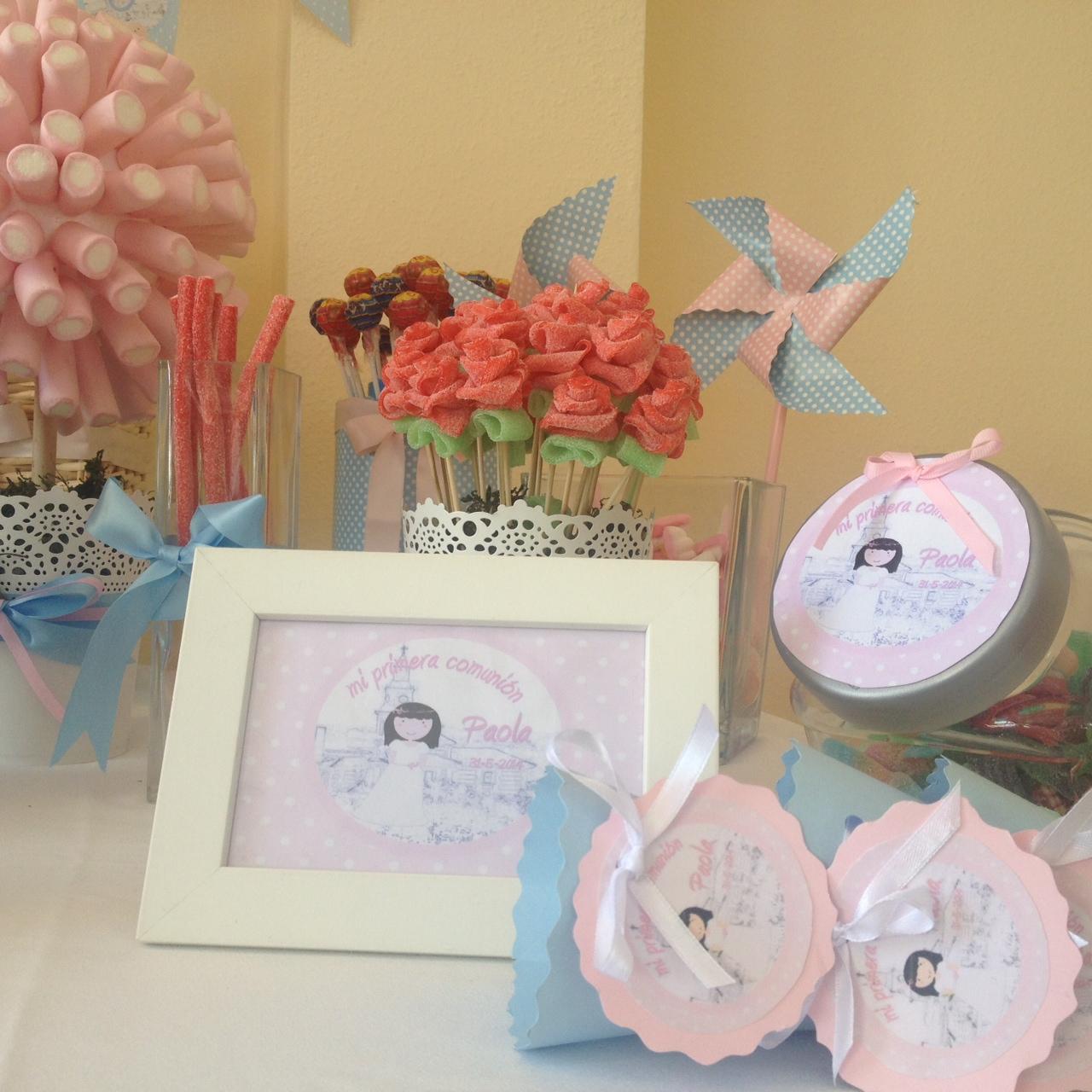 Comuniones mesa dulce regalos a invitados en un - Decoracion para foto ...