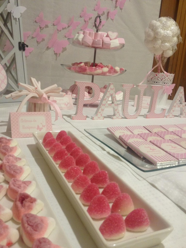 Primera comunion mesa dulce rosa y mariposas