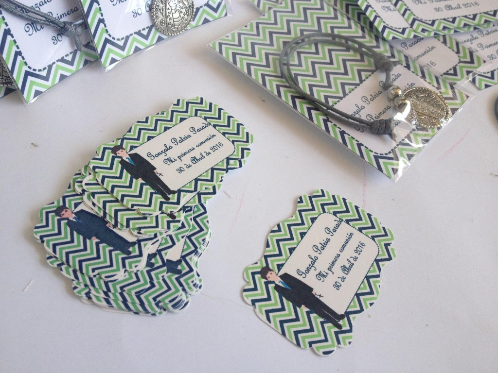 Detalles para invitados primera comunion pulseras y collares