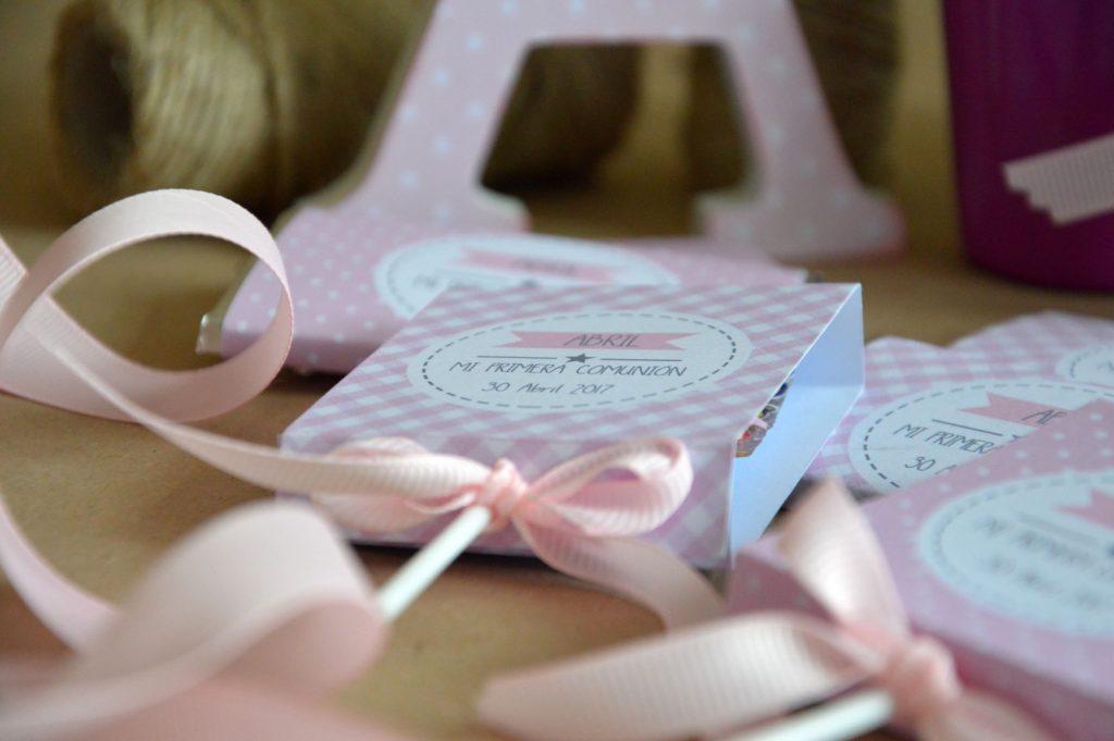 Piruletas personalizadas primera comunion rosas lunares y vichy