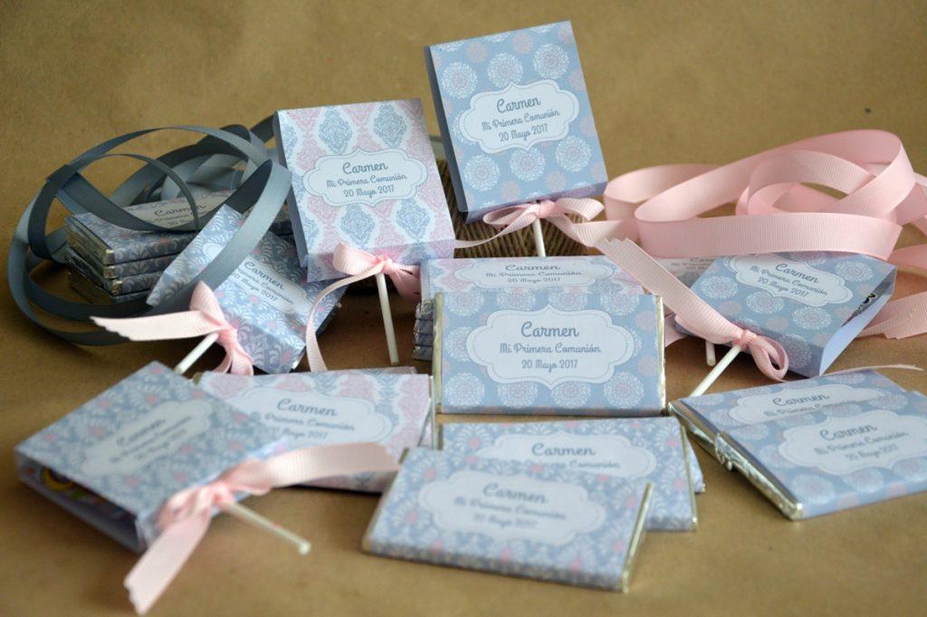 Chocolatinas personalizadas primera comunion estampado adamascado rosa , gris y blanco